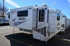 Lance 1172 double slide truck camper
