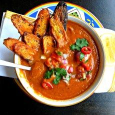 Spicy tomato soup with salsa and crunchy carrot chips to dip. Its got sweetness, bitter, salty, tart & crunch. Optifast Intensive re. Diet Recipes, Cooking Recipes, Healthy Recipes, Diet Meals, Vegan Meals, Soup Recipes, Vegetarian Recipes, Recipies, Optifast Diet
