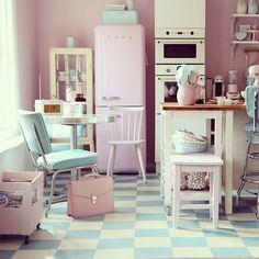 trusttnoonne:   This is Manuela Kjeilen's kitchen.   FuckYeahVintage-Retro