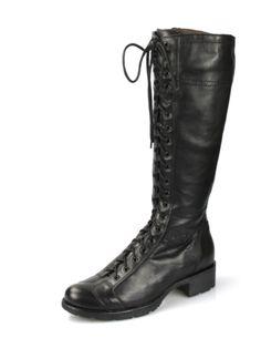 Stivali Nero Giardini in pelle nera. Perfette per chi vuole essere alla moda anche con il gelo.