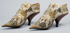 Killer-Heels-The-Art-of-the-High-Heeled-Shoe_French-Shoes