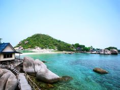 Nangyuan Island Dive Resort : Visit Amazing Nangyuan Island, Near Koh Tao, and stay in one of the most unique places on earth. Three islands of astounding beauty awaits you.