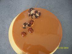 entremet Ô caramel ( pain de genes, insert mousse rhum raison et mousse caramel)