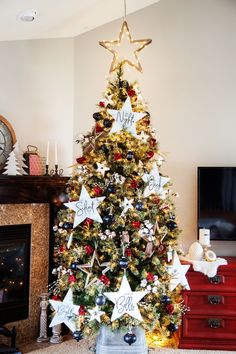 DIY Farmhouse Christmas Carol Star Tree Ornaments
