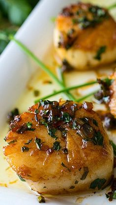Perfect Pan Seared Scallops (with a Simple Pan Sauce)