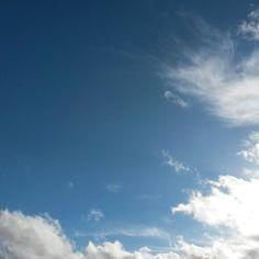 Petit bonheur du jour #Niort #cielfie #nofilter #instasky #instablue #blue #bleu #ciel #lcdj #lecieldujour #sky #skyporn