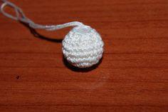 Crochet Ball, Love Crochet, Knit Crochet, Baby Knitting Patterns, Crochet Patterns, Bijoux Diy, Free Pattern, Applique, Jewelry