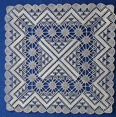 Margareth Tschager Doily Art, Bobbin Lacemaking, Bobbin Lace Patterns, Lace Heart, Lace Jewelry, Needle Lace, Lace Making, Drops Design, Lace Design
