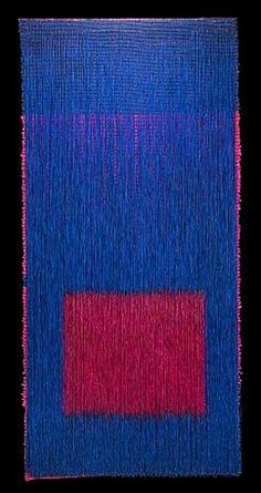"""Lienzo 32 (2013 ) Lino, gesso, pintura acrilica. 195 X 100 cm. Parte de la exposicion """"Olga de Amaral: El Dorado Thread,"""" en la Galerie Agnès Monplaisir, Paris, del 12 de Septiembre al 25 de Octubre de 2014"""