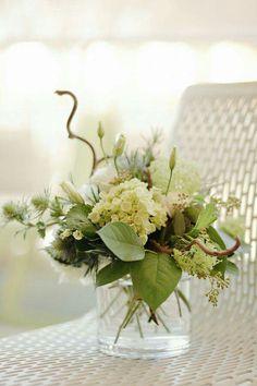Wedding Floral Arrangements, Green Wedding Centerpieces, White Floral Centerpieces, Short Centerpieces, Flower Arrangements Simple, Hydrangea Arrangements, Flower Centerpieces, Centrepieces, Easter Centerpiece