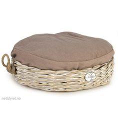 Designed by Lotte Cat Basket Kubu Round, 50 cm Cat Basket, Outdoor Furniture, Outdoor Decor, Ottoman, Chair, Design, Home Decor, Cat Beds, Pause