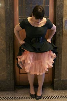 pink tulle + classic black = frock with frou frou Curvy Fashion, Plus Size Fashion, Petticoat Junction, Frou Frou, Petticoats, Pink Tulle, Chic Dress, Work Attire, Girly Stuff