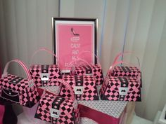 Favors at a Barbie Party #Barbie #party