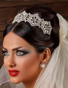 Dear all, do you feel difficulty to find a suitable makeup & hairdo artist for your wedding or party? Either for the low skill or high cost. Find some tips on how to do the best for your makeup and find the correct makeup artist in Singapore. Read below:  http://goo.gl/Ql5PJg