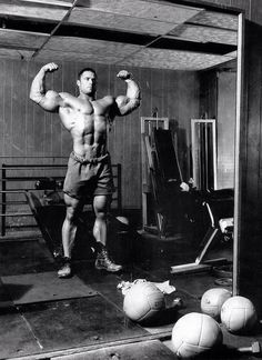 #fitspiration #motivation #muscular #body #bodyworked #diet #workout #bodybuilding #trainharderthanme  #bestgymintheworld #traininggym #hardtraining #hardcorefitness #shredded #abs #core #dedication