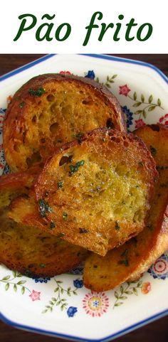 Want to prepare a simple and fast appetizer with excellent presentation? This fried bread recipe is perfect for a dinner among friends! They will love the taste of the olive oil and the coriander mixed in the bread. Recipes With Yeast, Bread Recipes, Sweet Recipes, Muffin Recipes, Pizza Recipes, Yummy Appetizers, Appetizer Recipes, Dinner Recipes, Fried Bread Recipe