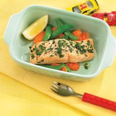 Roast Lemon Herb Salmon from 3 Easy Bake Recipes for Kids! Healthy Meals For Kids, Kids Meals, Healthy Eating, Salmon Dinner, Seafood Dinner, Smoked Salmon Appetizer, Creamy Pasta Dishes, Easy Baking Recipes, Meal Recipes