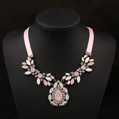 Colier statement Splendid Swarovski, Floral, Jewelry, Fashion, Accessories, Bead, Moda, Jewlery, Jewerly