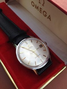 Beautiful Vintage OMEGA Seamaster Automatic Calendar In Stainless Steel