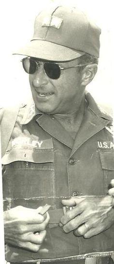 Virtual Vietnam Veterans Wall of Faces   ROBERT F WORLEY   AIR FORCE