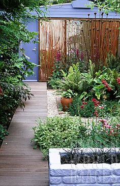 GARDEN_PATIO_WITH_MIRRORED_BACK_WALL_#Repin By:Pinterest++ for iPad#