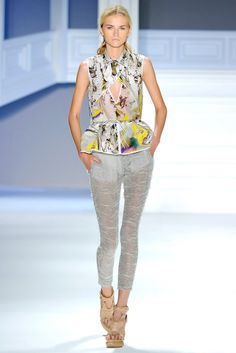 Vera Wang Spring 2012 Ready-to-Wear Fashion Show - Anabela Belikova