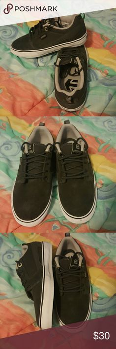 245a144e115434 Etnies skateboarding shoes mens Etnies Skateboarding Shoes Men s Size 5  Brand new Never been worn Still in box Greg Great condition No tags Etnies  Shoes ...