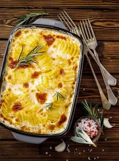 Easy, cheesy, and flavorful, this Instant Pot scalloped potatoes recipe comes together much quicker than using the oven. Add bacon and ham for a hearty main dish or serve as the perfect side dish for a delicious holiday meal. Even easy enough for a weeknight! #thewickednoodle #scallopedpotatoes #holidaysidedish Scalloped Potatoes With Bacon, Scalloped Potato Recipes, Spiral Potato, Spiral Sliced Ham, Best Potato Recipes, Holiday Side Dishes, Potato Side Dishes, Holiday Recipes, Instant Pot