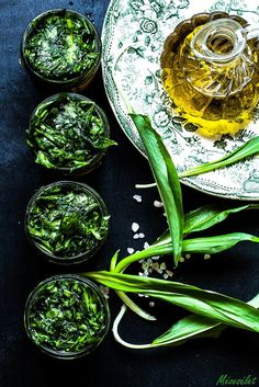 wild garlic in oil