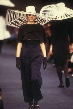 Yohji Tamamoto, prêt-à-porter printemps-été 1988
