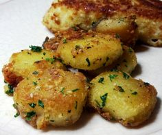 Parmesan Garlic Roasted Potatoes Recipe http://erika.skinnyfiberplus.com/ www.facebook.com/groups/GetTheSkinnyWithErika