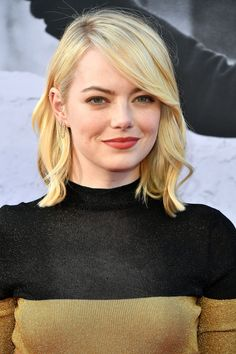 Emma Stone's Creamy Blonde Lob
