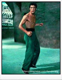 Bruce Lee Quotes, Jet Li, Kung Fu, Martial Arts, Masters, Famous People, Nostalgia, Kicks, Strength