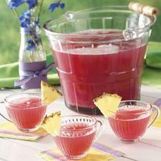 Lots of NON-ALCOHOLIC punch recipes Versatility is the name of the game with these super-refreshing, non-alcoholic cocktails. Great as party drinks or for a special treat. Party Drinks Alcohol, Fun Drinks, Yummy Drinks, Alcohol Punch, Mixed Drinks, Alcoholic Punch Recipes, Alcoholic Cocktails, Fireball Recipes, Alcohol Recipes