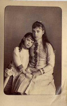 Grand Duchess Olga and Xenia Alexandrovna,hijas del Zar Alejandro III y hermanas de Nicolás II.