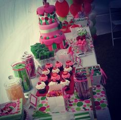 #Candybar #candystation #candybuffet #candydisplay #candy #cake #babyshower #strawberryshort #pink #red #white #green
