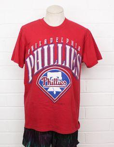 62e84580482 Vintage 1990s Philadelphia Phillies MLB Baseball Large Logo Red Men s Large  Hank Aaron T-shirt