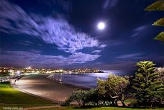 """Ace! Check out this shot of the """"super moon"""" from Bondi Beach. Credit: Hirsty Photography"""