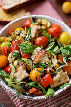 This classic yet rustic Italian bread and tomato salad (grilled panzanella salad) is fresh and summery, but still hearty enough to eat for dinner!
