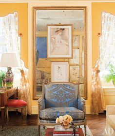 1000 images about fabulously crowded rooms on pinterest for P allen smith living room