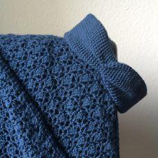 Here's my take on the Alpaca Your Wrap by Tamara Kelly/Mooglyblog. All blue!