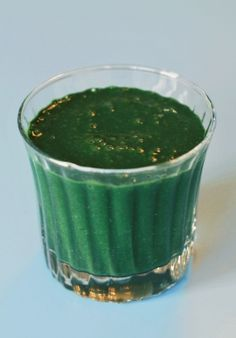 Vitamin Boost with a Spinach and Spirulina Smoothie