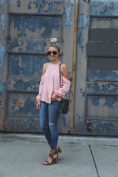Fashioncornerstone is the best place to buy online womens top in USA. Browse our complete range for women's Tops including t-shirts and more. Cropped Jeans, Denim Jeans, Casual Outfits, Cute Outfits, Fashion Outfits, Casual Clothes, Summer Clothes, Spring Summer Fashion, Spring Outfits