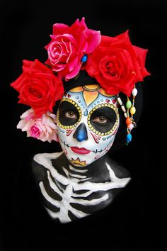 35 Halloween Costume Ideas With Skull Motive That Spooky - Dia de los Muertos - Halloween Kostüm, Halloween Costumes, Candy Skulls, Sugar Skulls, Candy Skull Face Paint, Dead Makeup, Sugar Skull Makeup, Day Of The Dead Skull, Fantasy Makeup