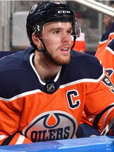 McMagic Connor Mcdavid, Hockey Rules, Edmonton Oilers, Toronto Maple, Hockey Players, Ice Hockey, Nhl, Logan, Sports
