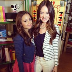 #MalloryJansen and #AimeeCarrero looking gorgeous on the #YoungandHungry set!
