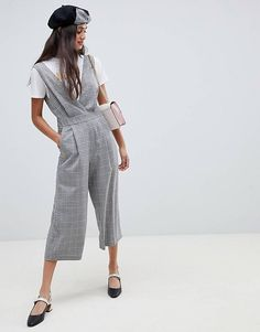 Miss Selfridge jumpsuit in grey check at ASOS. Shop this season's must haves with multiple delivery and return options (Ts&Cs apply). Unique Outfits, New Outfits, Beautiful Outfits, Fashion Outfits, Fashion Tips, Fashion Design, Womens Fashion, Miss Selfridge Jumpsuit, Asos