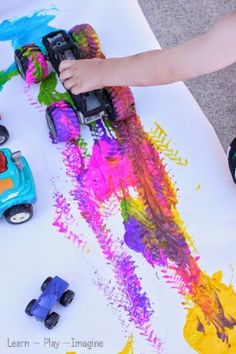 Painting with Trucks - Art for Kids Painting with trucks is a classic art activity for kids to watch colors blend and see the track. Kids Art Space, Art Wall Kids, Art For Kids, Small Space, Art Activities For Kids, Preschool Art, Infant Activities, Sensory Activities, Easy Art Projects