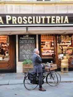 La Prosciutteria in Parma .. Ils ont le meilleur Proscuitto au monde ... et autant pour le Permigiano :)