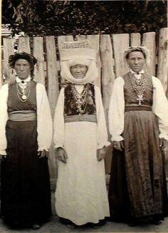 Оригинал взят у humus в 1912. Белорусский костюм в фотографиях И.Сербавы источник